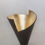 vase H 32 x W 28 cm