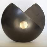vase H 35 x W 35 x D 12 cm.